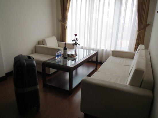 Vina Hotel Hue: living room