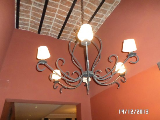 Como era Antes: Araña de iluminacion en el hall de entrada.