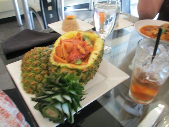 Green Papaya: Thai food served in pineapple