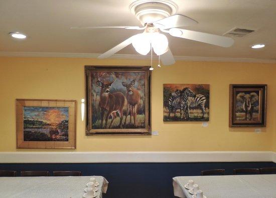 Blue Plate Cafe: Back dining area