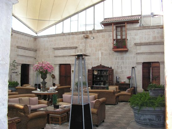 Casa Andina Premium Arequipa: Entrance lobby