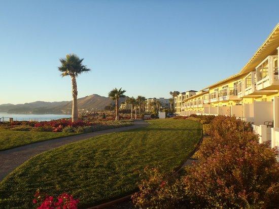 Spygl Inn Hotel And Walkway That Leads To Beach Below