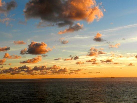 Marriott's Oceana Palms : Sunset from our balcony