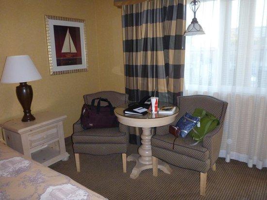 Spyglass Inn: Sitting area in room
