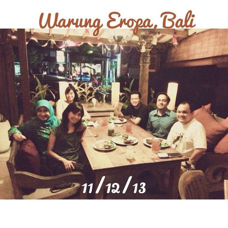 Warung Eropa: the asmophere inside of the restaurant with colleagues