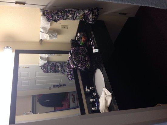 BEST WESTERN Parkside Inn: Bathroom