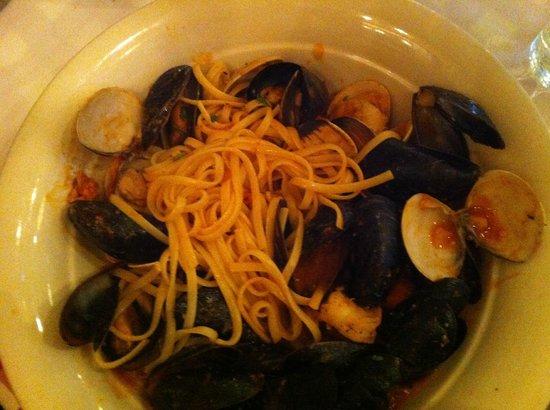 Maggiano's Little Italy: Linguine (plat déjà entamé avant la photo, désolé...)