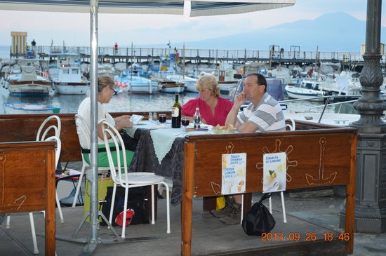 Ristorante di Leva: Seaside dining