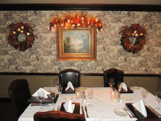 Folk's Folly Prime Steakhouse: Interior view