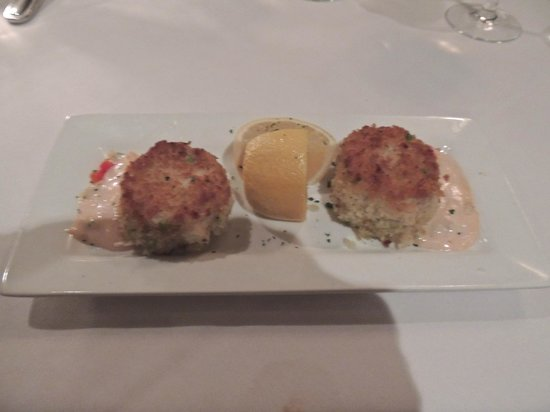 Folk's Folly Prime Steakhouse : Crab Cakes