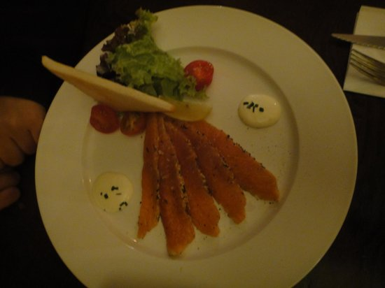 Restaurant Vlaming: 自家製スモークサーモン