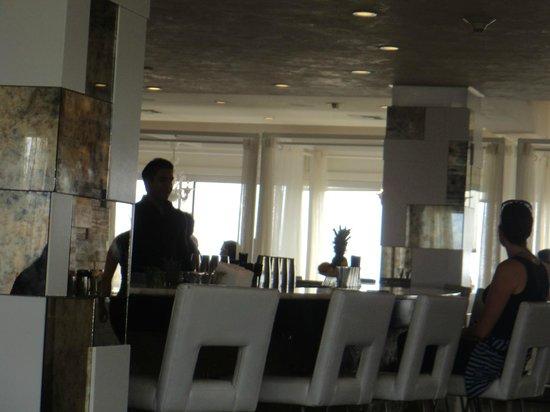 Huntley Santa Monica Beach : el restaurante en el ultimo piso