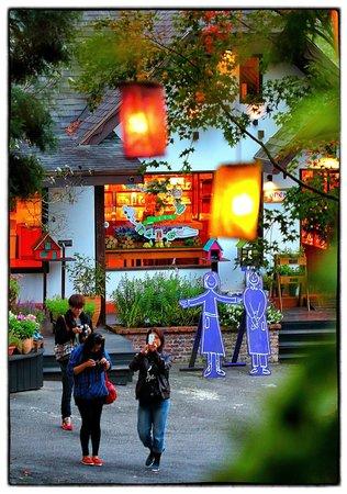 Lavender Cottage: The lovely retail shop.