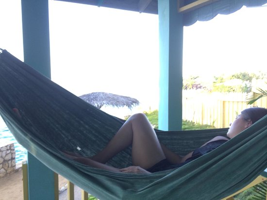 Banana Shout Resort: Hammock off room
