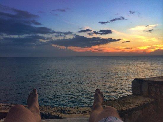 Banana Shout Resort : Sunsets
