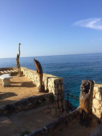 Banana Shout Resort: View of Bay