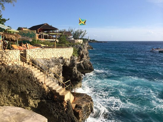 Banana Shout Resort : Cliffs
