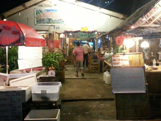 Krua Parichart: Front view of the restaurant