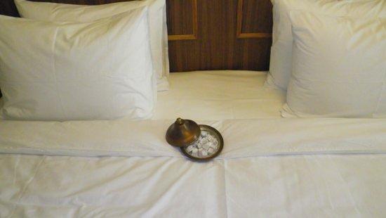 Neorion Hotel: wellcome drink? não, turkish delight na cama