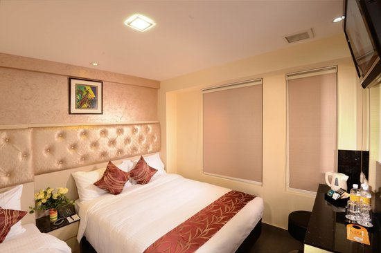 Sandpiper Hotel Singapore : The Family Nest Queen + Single Bed