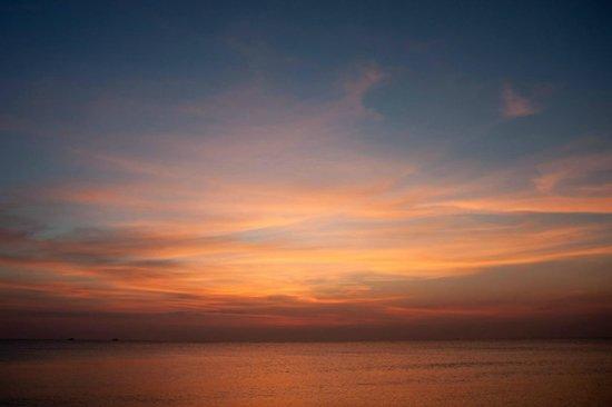 Eden Resort: some great sunsets