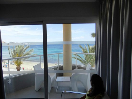 Hotel Garbi Ibiza & Spa: Room and Balcony