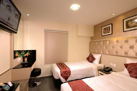 Sandpiper Hotel Singapore : The Deluxe Nest Twin Bed