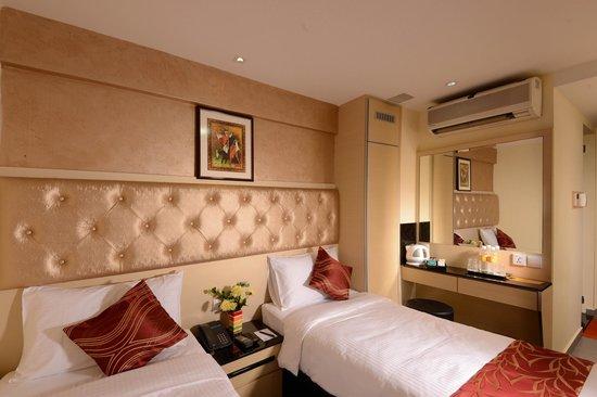 Sandpiper Hotel Singapore : The Superior Nest Twin Bed