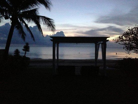 Aleenta Hua Hin Resort & Spa: chaba villa at sunrise