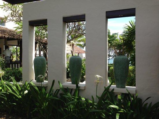 Aleenta Hua Hin Resort & Spa: beautiful gardening