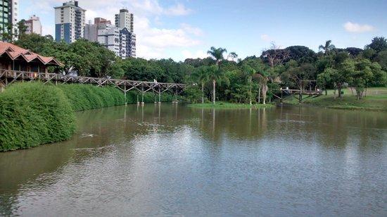 Curitiba Casa Hostel: Botanic Garden - Five minutes walking.