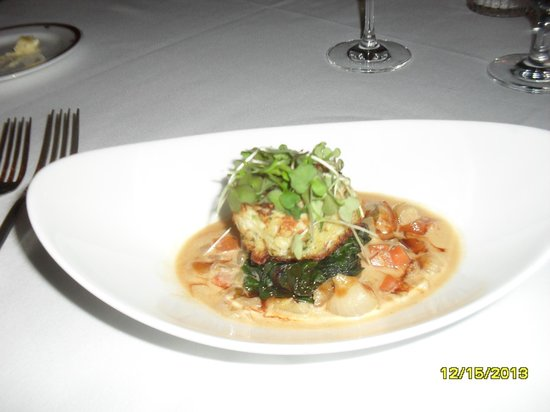 Inn on Biltmore Estate: Crab cakes with swiss chard