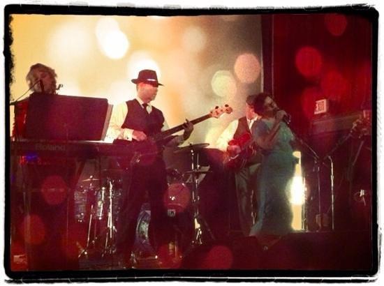 Bonnie Kate Cafe: Music