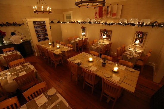 Calistoga Inn: Lovely Dining Room.