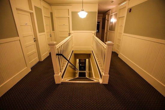 Calistoga Inn: Hotel Hallway
