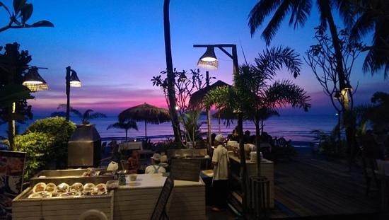 K.B. Resort: het restaurant aan het strand