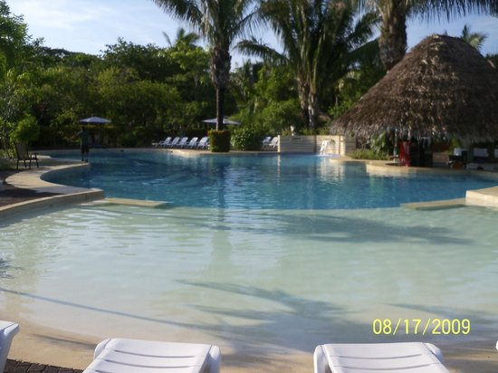 Hotel Villas Playa Samara: Pool/Dining Area