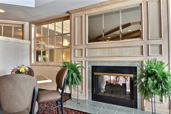 Comfort Suites: Lobby area