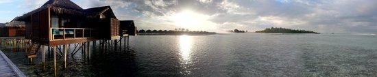 Anantara VeliMaldivesResort: Pool/Beach area