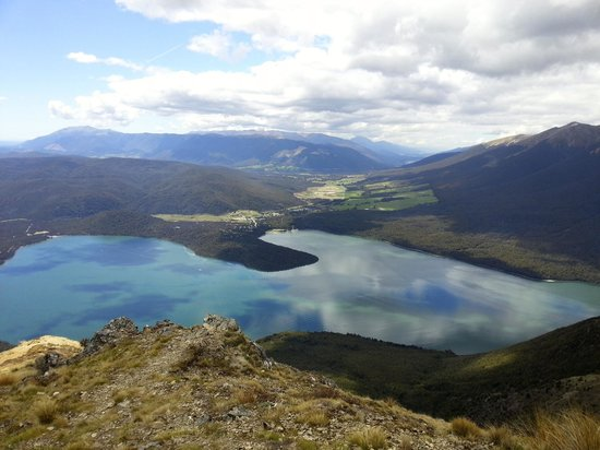 Nelson Lakes National Park: View from the top of Mt Robert