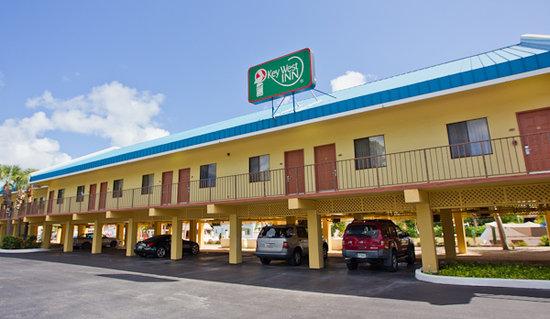Key West Inn - Key Largo: Exterior