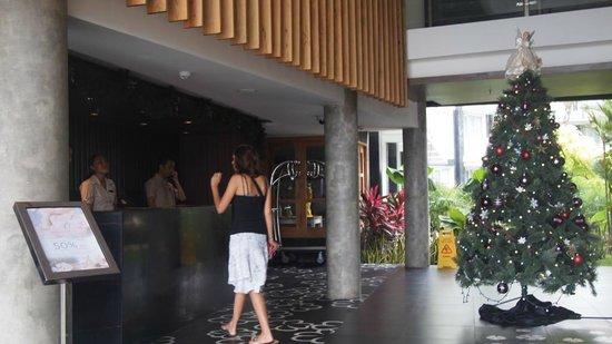 Fontana Hotel Bali: Lobby