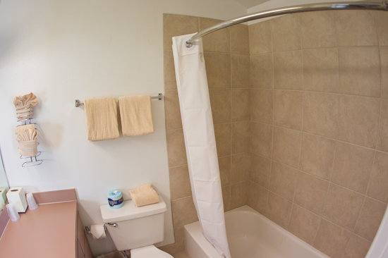 Key West Inn - Key Largo: All suites have 2 full bathrooms