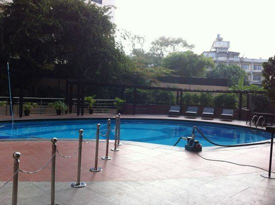 The Chancery Pavilion: Swimming pool