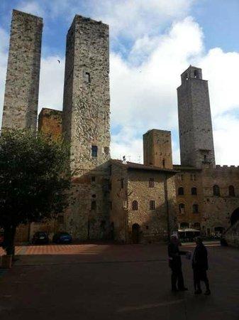 Hotel Leon Bianco: Towers of San Gimingano