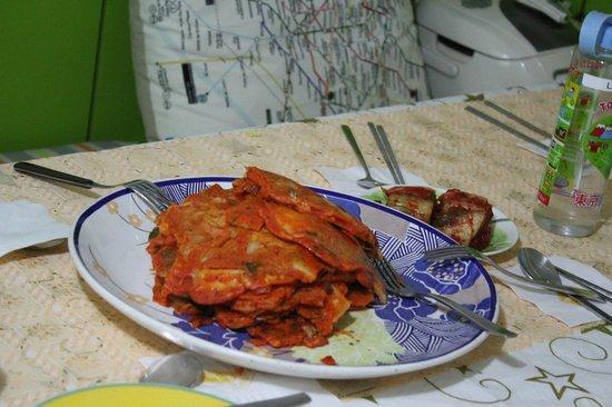 Four Seasons House: Annie's delicious kimchi pancake