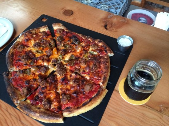 Fort George Brewery + Public House: Spicy Italian pizza from Ft. George - order something else.