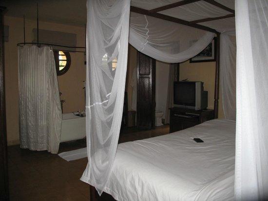 Ana Mandara Villas Dalat Resort & Spa: rustic decoration