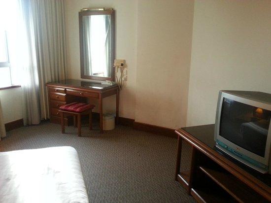 Nomad SuCasa All Suite Hotel: Old furnitures
