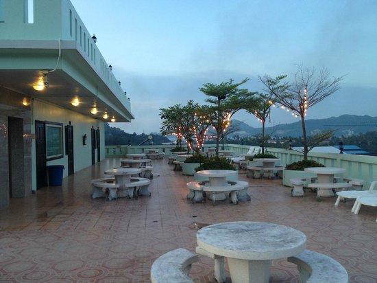 SM Resort: Roof-Top Garden